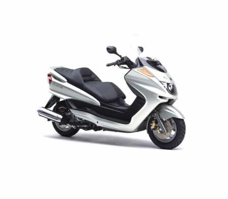 Hire this 250cc scooter in Auckland